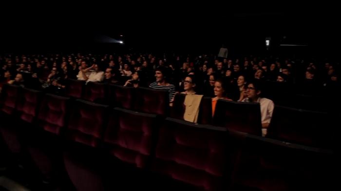 gente en cine